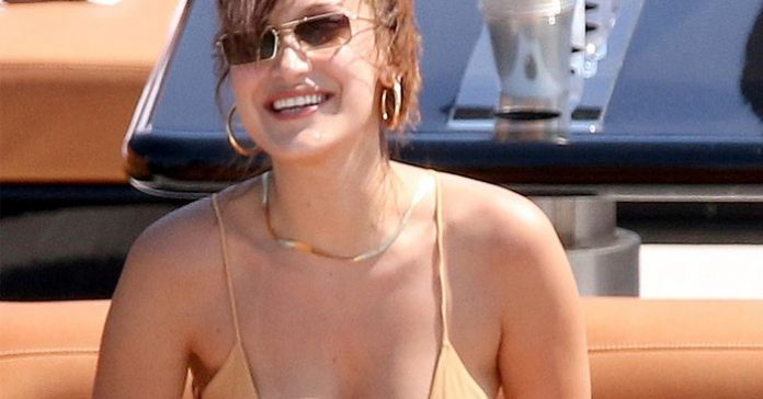 this bikini trend is dying suddenly according to celebrities tech ballad
