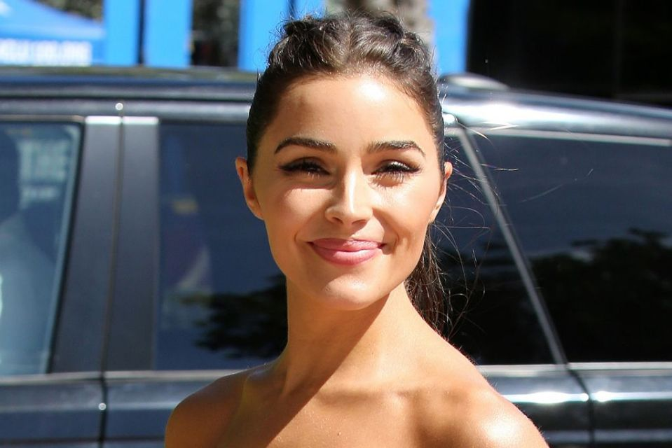 olivia culpo wears square toe thong sandals with this controversial trend yahoo lifestyle